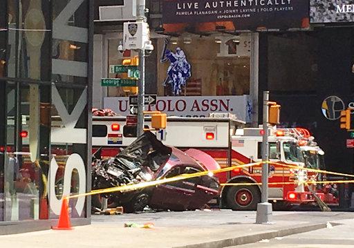 Times Square Crash_596039