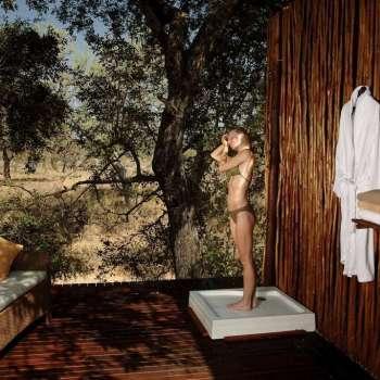 Simbambili Game Lodge Shower