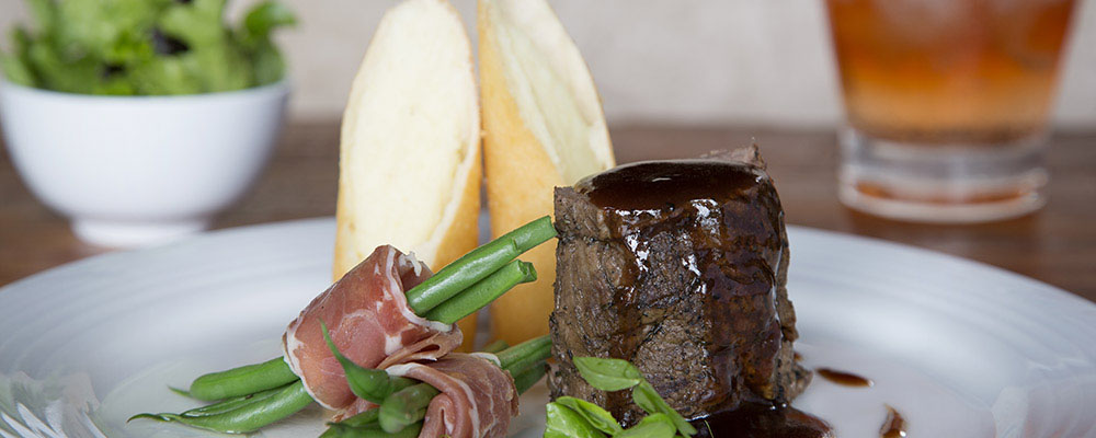 Lukimbi Lodge Dining Experience
