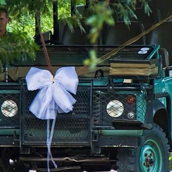 Lukimbi Lodge Wedding Landrover