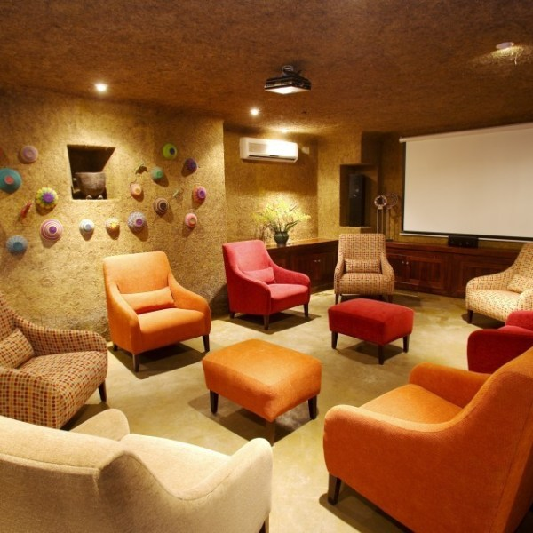Kapama River Lodge Colorful Lounge