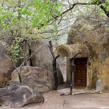 Manyatta Rock Camp Chalet Exterior