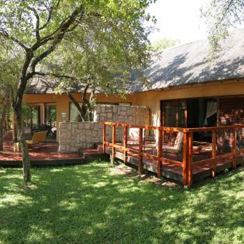 Shumbalala Game Lodge Superior Suite Exterior
