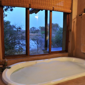 Waterbuck Game Lodge Interior Bathroom with View