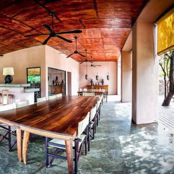 Honeyguide Mantobeni Camp Open Guest Lounge