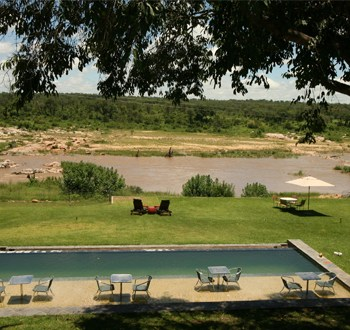 Mjejane River Lodge Pool and Lawn