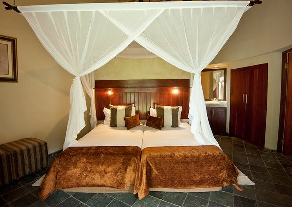 Nyeleti Double Bed Room