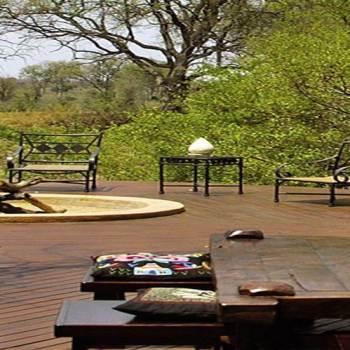 Hoyo-Hoyo Safari Lodge Deck Area