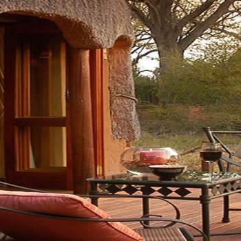 Hoyo-Hoyo Safari Lodge Guest Deck
