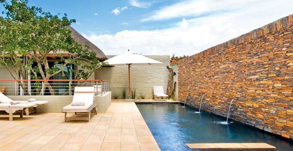 SARILI LODGE SHAMWARI GAME RESERVE bg