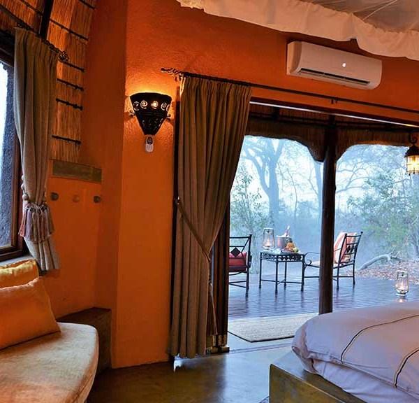 Hoyo Hoyo Safari Lodge Bedroom Interior
