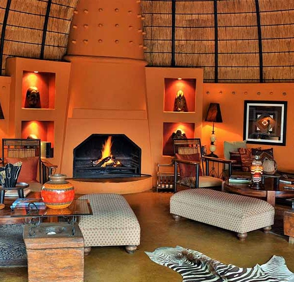 Hoyo Hoyo Safari Lodge Facilities Lounging Area