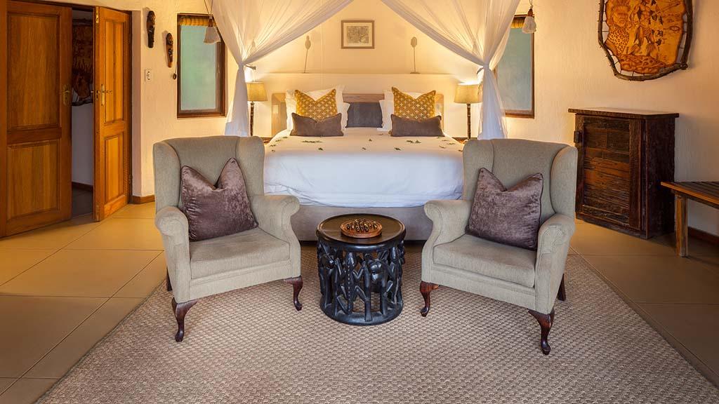 Monwana Game Lodge Luxury King Suite Seating
