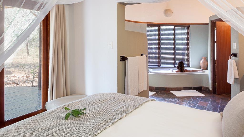 Serondella Game Lodge Accommodation Suite Bathroom