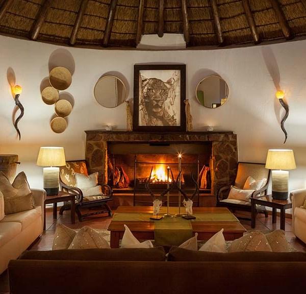 Serondella Game Lodge Lounge