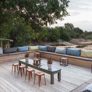 Thornybush Game Lodge Outside Seating