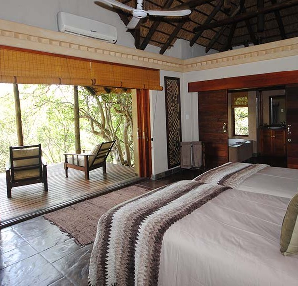 Waterbuck Game Lodge Accommodation Bedroom