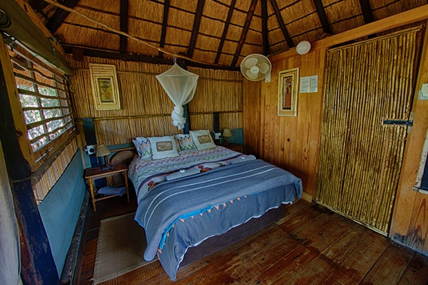 Marc's Treehouse Lodge Treehouse Accommodation Bedroom