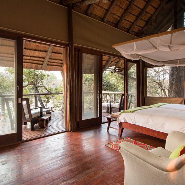 Rhino Post Safari Lodge Suite