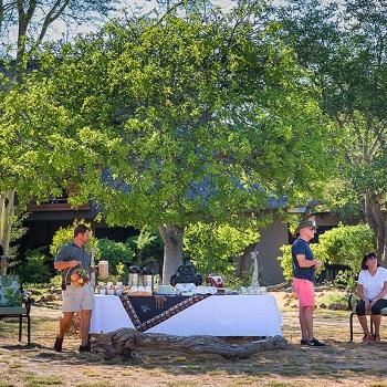 Kambaku Safari Lodge Outdoor Dining
