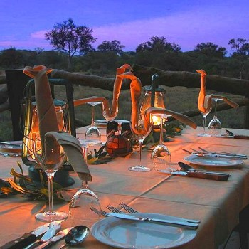 Lukimbi Safari Lodge Outdoor Dining