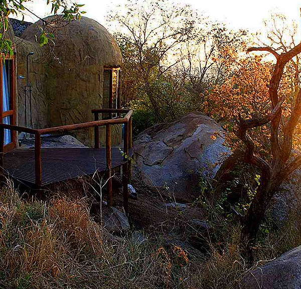 Manyatta Rock Camp Accommodation Exterior