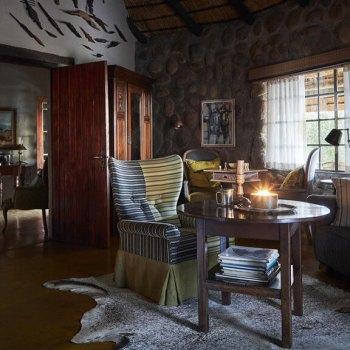 Motswari Geigers Camp Luxury Room Lounge