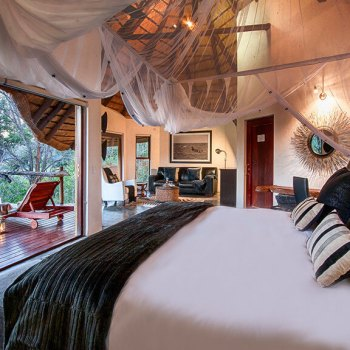 Pondoro Game Lodge Luxury Suite Interior