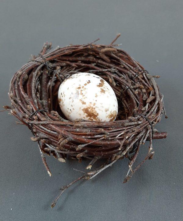 pesä munalla