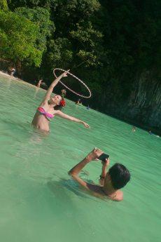 Thai hooping