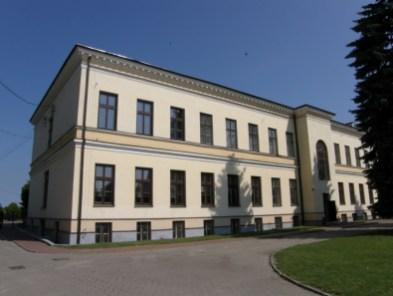 Budynek Zespołu szkół Ponadgimnazjalnych w Solcu nad Wisłą (fot. K. Furmanek)