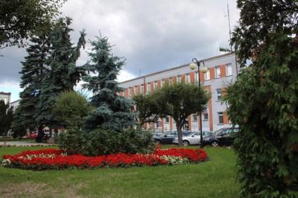 Park w Lipsku z widokiem na Starostwo Powiatowe (fot. K. Furmanek)