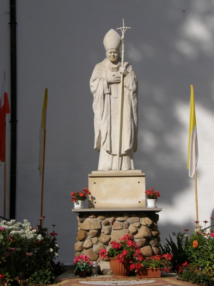 Pomnik Jana Pawła II w Siennie (fot. K. Furmanek)