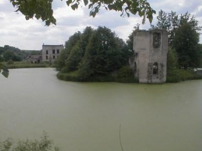 Średniowieczny zamek w Podgrodziu (fot. arch. Gminy Ćmielów)