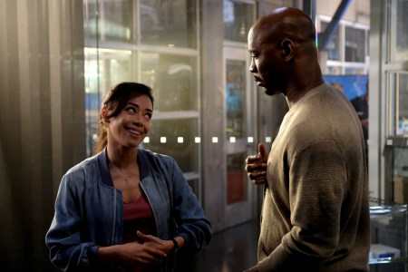 "LUCIFER: L-R: Aimee Garcia and DB Woodside in the ""They???re Back, Aren???t They?"" Season Three premiere episode of LUCIFER airing Monday, Oct. 2 (8:00-9:00 PM ET/PT) on FOX. ©2017 Fox Broadcasting Co. Cr: FOX."