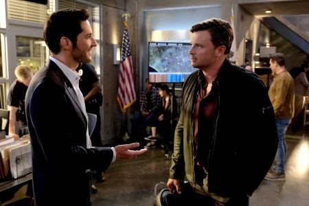 "LUCIFER: L-R: Tom Ellis and Tom Welling in the ""They???re Back, Aren???t They?"" Season Three premiere episode of LUCIFER airing Monday, Oct. 2 (8:00-9:00 PM ET/PT) on FOX. ©2017 Fox Broadcasting Co. Cr: FOX."