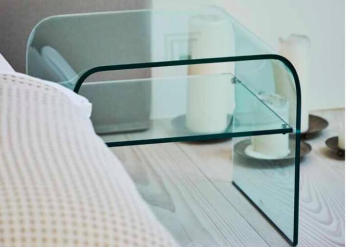 table de chevet ou table d appoint avec 1 etagere en verre transparent bow par jankurtz