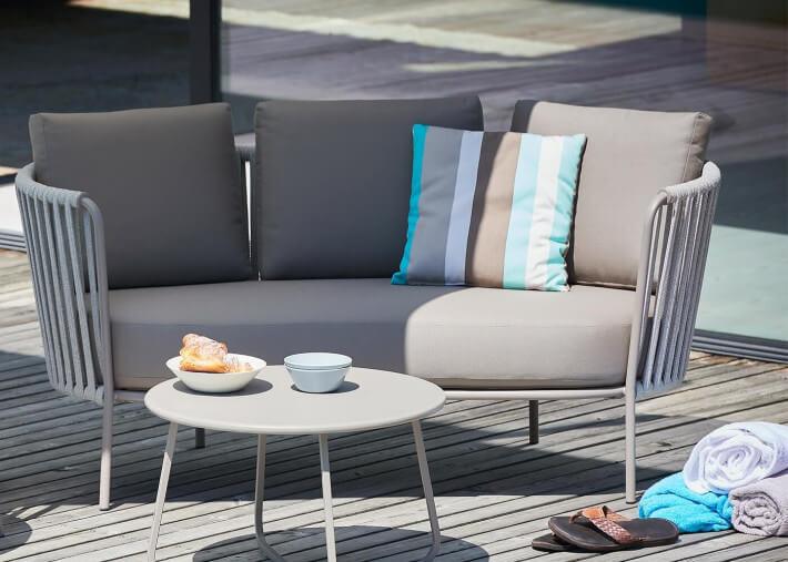 canape de jardin 2 places en acier laque taupe et coussins polyacrylique sunderland rope par jankurtz
