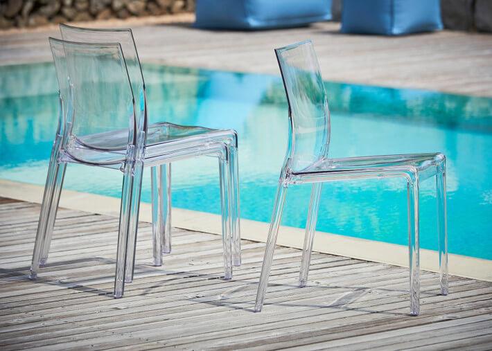 chaise transparente en polycarbonate empilable interieur exterieur vendue par set de 4 unites mia par jankurtz