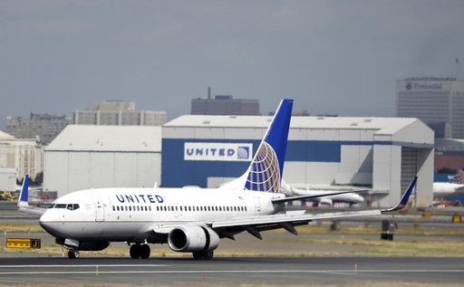United-Passenger Removed-Social Media_371395
