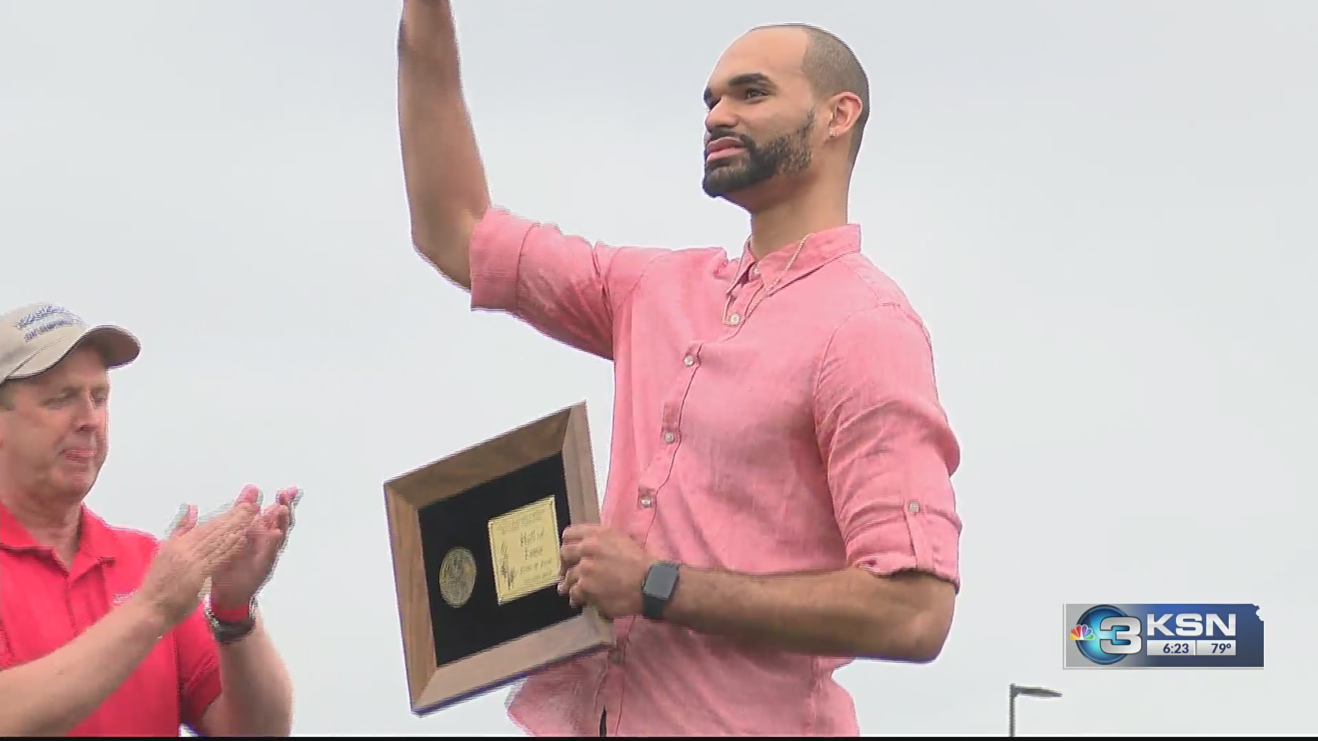 Perry_Ellis_inducted_into_KSHSAA_Hall_of_0_20190526005041