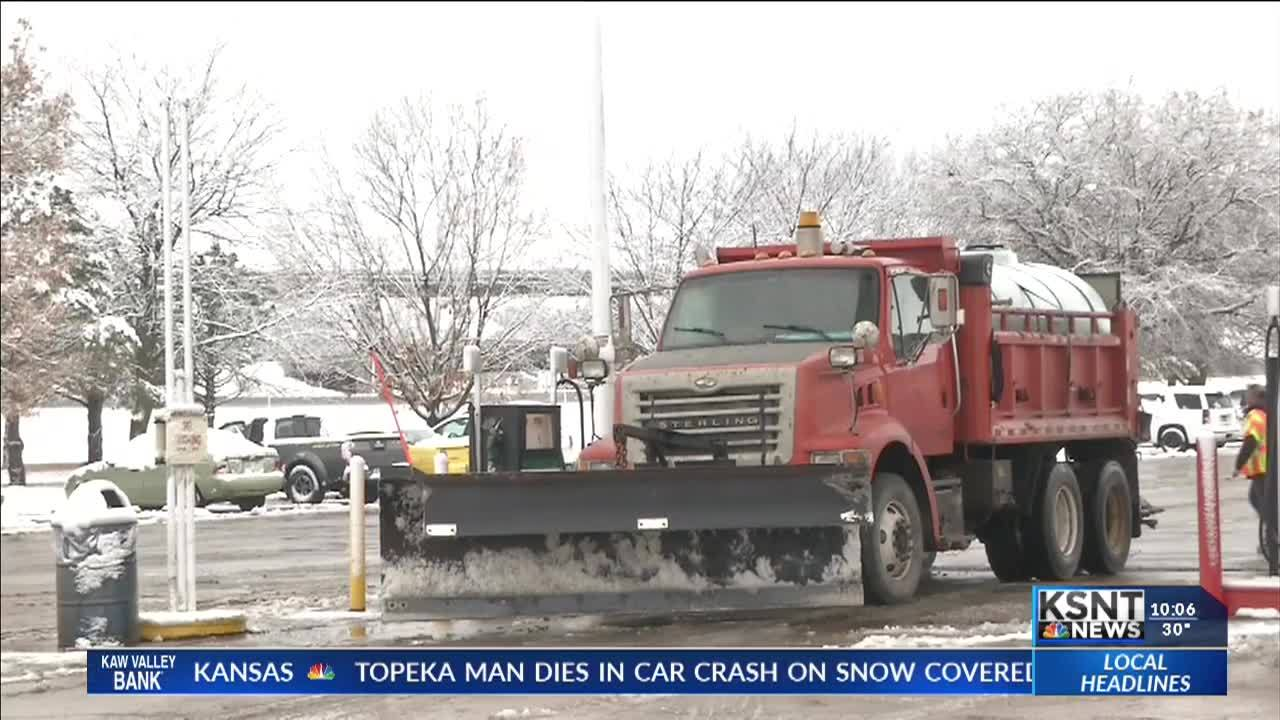 KDOT_preps_for_icy_roads_3_20190113043017