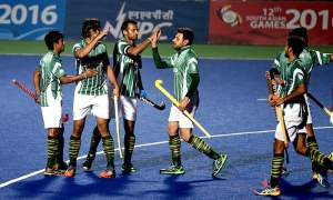 Pak Hockey greats put heads together for revival of game