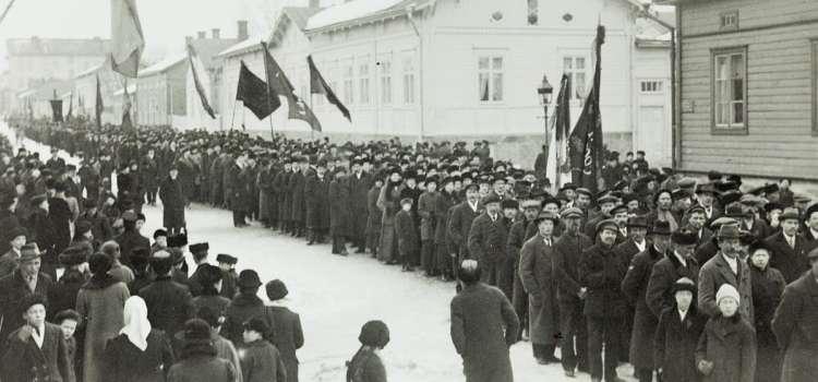 Miten Suomen vallankumouksen historiasta kirjoitetaan?