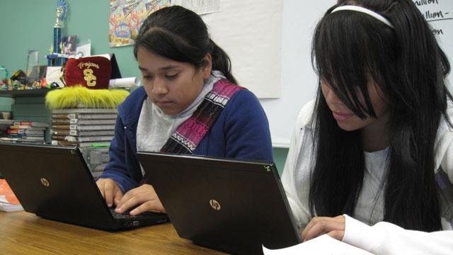 Students using laptops_2676522670600629-159532