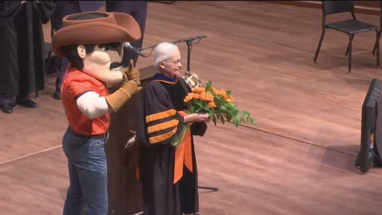 Dr. Natalicio delivers State of the University address