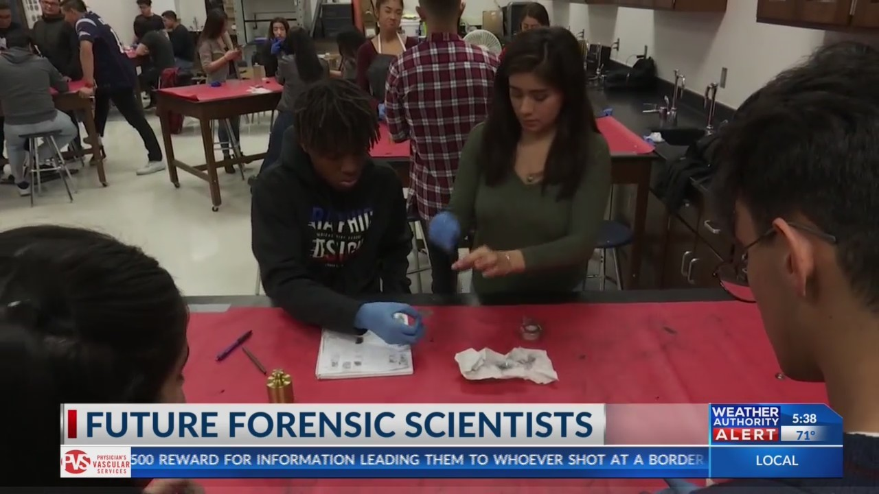 Americas High School students learn forensic science
