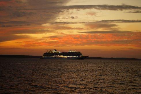 der Hafen wird auch von Kruezfahrtschiffen besucht
