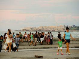 Habaneros am Malecón