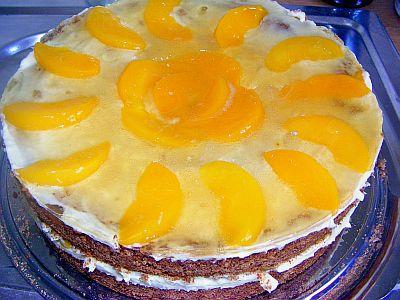 Pfirsich-Buttercreme-Torte